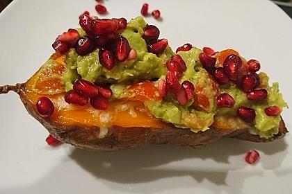 Süßkartoffeln mit Avocado und Granatapfel 10