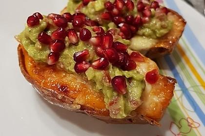 Süßkartoffeln mit Avocado und Granatapfel 3