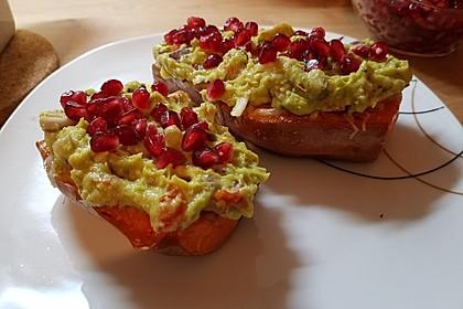 Süßkartoffeln mit Avocado und Granatapfel 17
