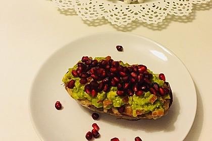 Süßkartoffeln mit Avocado und Granatapfel 12