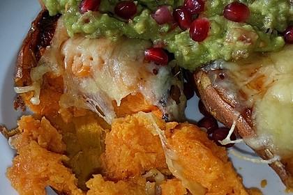 Süßkartoffeln mit Avocado und Granatapfel 30