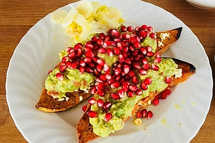 Süßkartoffeln mit Avocado und Granatapfel 18
