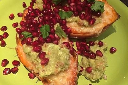 Süßkartoffeln mit Avocado und Granatapfel 5
