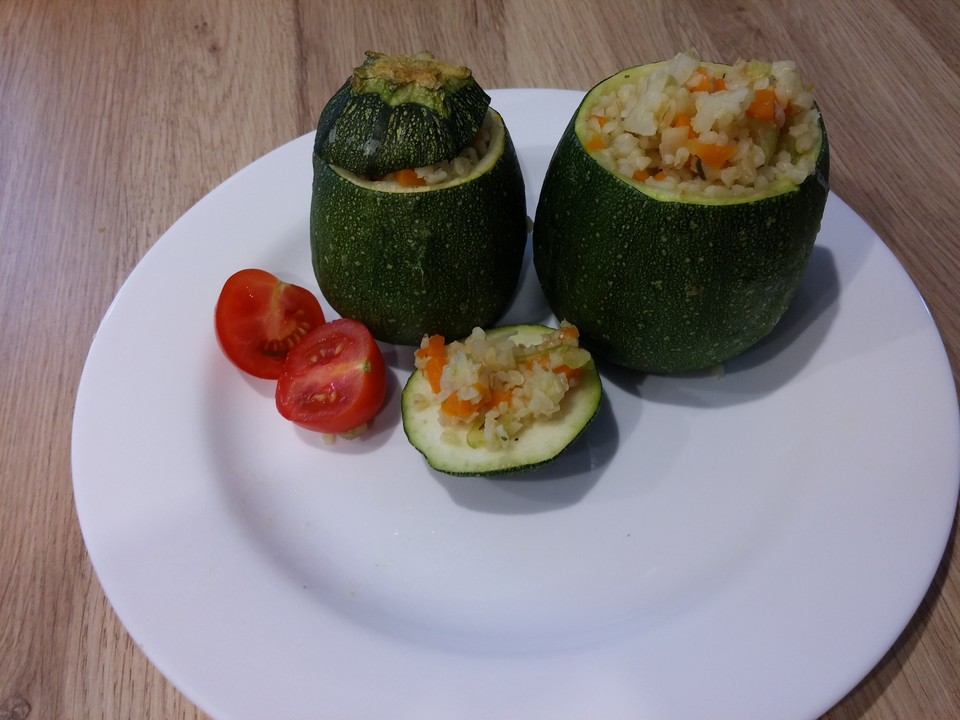 runde gef llte zucchini rezept mit bild von riga53. Black Bedroom Furniture Sets. Home Design Ideas
