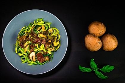Zucchini-Pilz-Salat