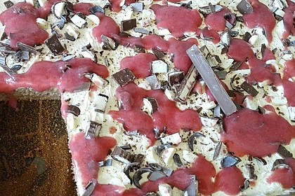 Erdbeer-Blechkuchen mit Cream Cheese Frosting 8
