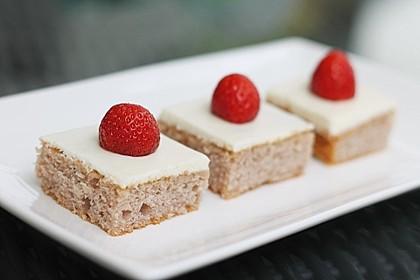 Erdbeer-Blechkuchen mit Cream Cheese Frosting 3