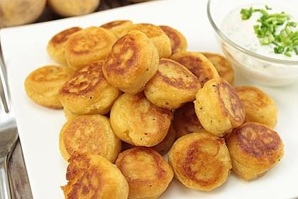Potato Puffs mit Dip - knusprig-cremige Kartoffelplätzchen