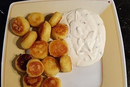 Potato Puffs mit Dip - knusprig-cremige Kartoffelplätzchen 2