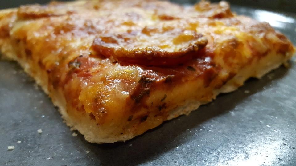 american pizza teig selber machen von cookbakery. Black Bedroom Furniture Sets. Home Design Ideas