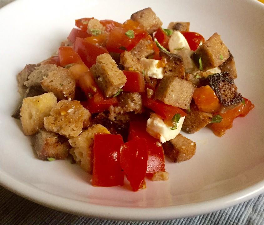 brot tomaten salat mit schafsk se von m hrchen11. Black Bedroom Furniture Sets. Home Design Ideas
