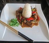 Thai Curry mit Rindfleisch, grünem Spargel und Paprika