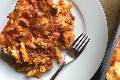 Nudel-Zucchini-Paprikagratin