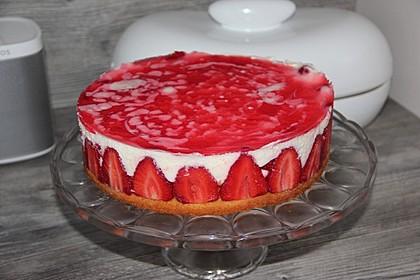 Sommerliche Erdbeer-Torte
