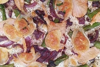 Pizza mit grünem Spargel, Lachs und Ziegenkäse 2