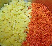 Milde Linsensuppe mit Curry und Schafskäse (Bild)