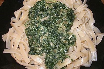 Vollkornnudeln mit Spinat - Käse Sauce 5