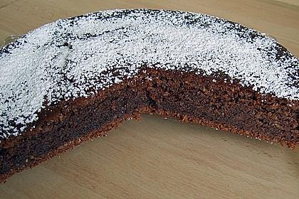 Flaumiger Schoko - Nuss - Kuchen mit Joghurt 1