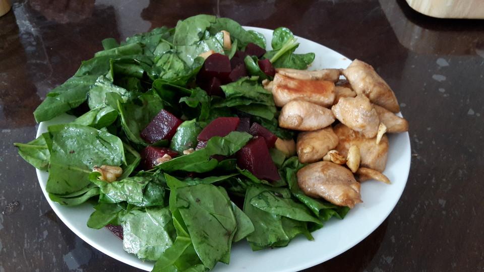 blattspinat salat rezept mit bild von momo287. Black Bedroom Furniture Sets. Home Design Ideas