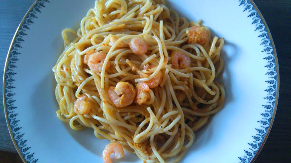 spaghetti mit pesto aus gegrilltem gem se und garnelen von rhipsalis. Black Bedroom Furniture Sets. Home Design Ideas