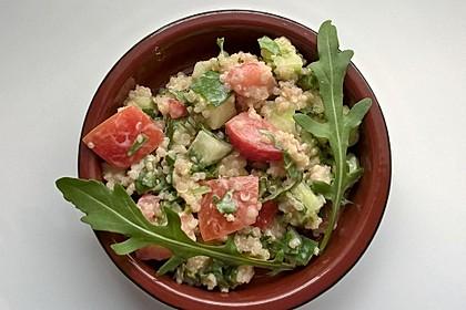 Quinoa-Rucola-Salat mit Limetten-Joghurt-Dressing