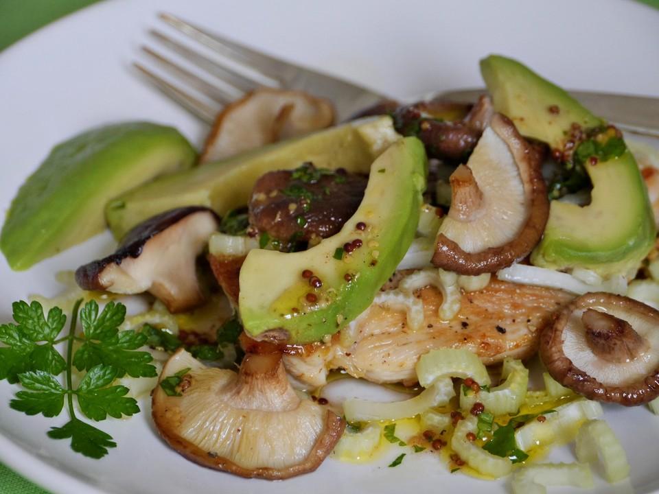 avocado mit staudensellerie und shiitake auf h hnchenschnitzel rezept mit bild. Black Bedroom Furniture Sets. Home Design Ideas