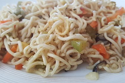 Mie-Nudel-Pfanne mit Gemüse 1
