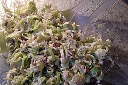 Lauch-Käse-Salat mit Trauben und Walnüssen 1