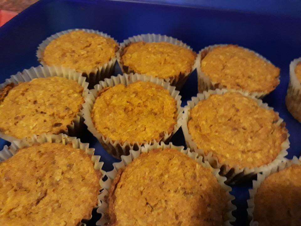 vegane karotten apfel muffins ohne zucker von latens. Black Bedroom Furniture Sets. Home Design Ideas