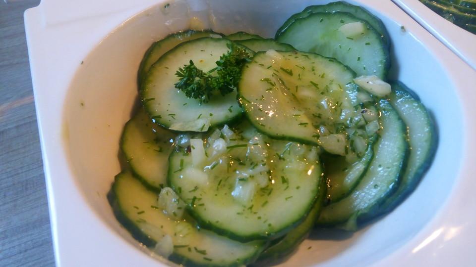 gurken galia salat in zitronen essig dressing rezept mit bild. Black Bedroom Furniture Sets. Home Design Ideas