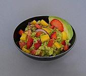 Guacamole mit Mango und Erdbeeren
