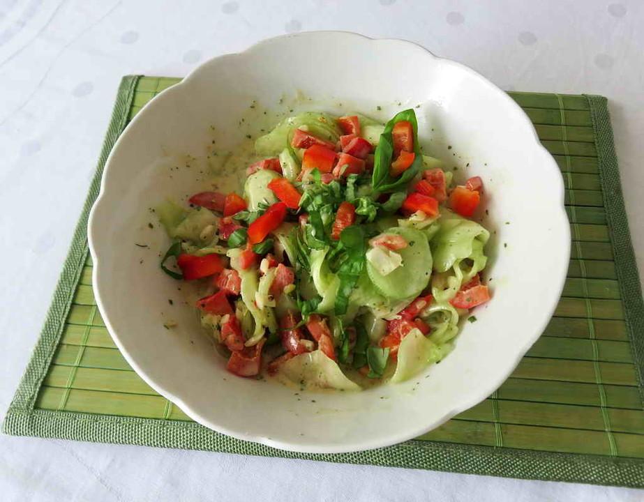 gurken paprika salat rezept mit bild von juulee. Black Bedroom Furniture Sets. Home Design Ideas