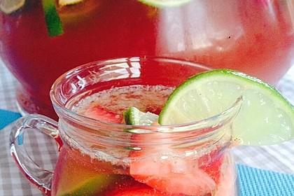 Leckere Erdbeer-Caipi-Rumba-Bowle