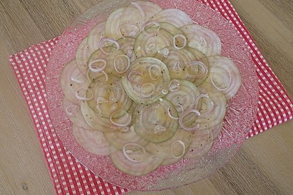 Mairüben-Carpaccio mit Honig-Senf-Dressing