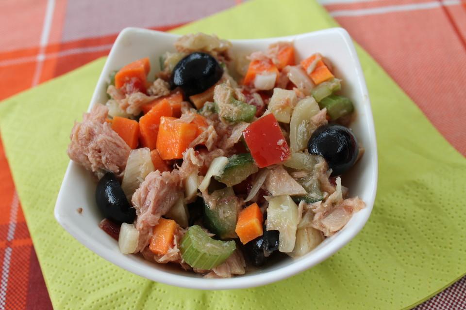 Asiatischer Salat mit Thunfisch