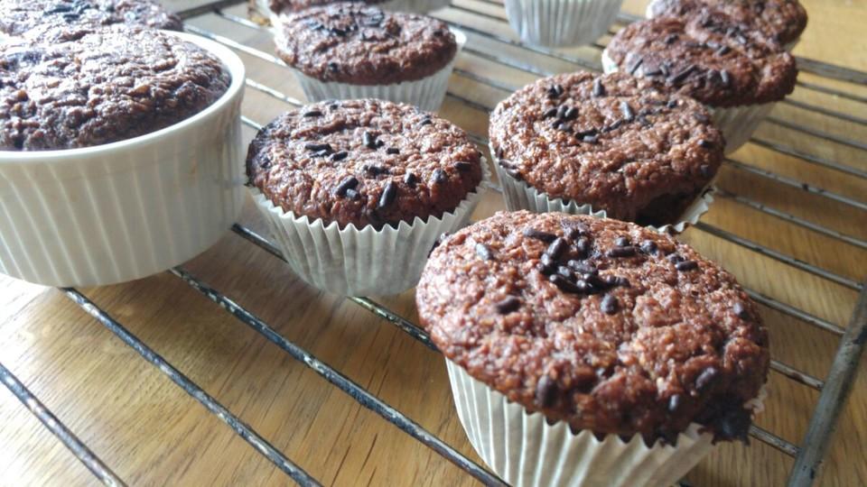 low carb kokos haselnuss muffins rezept mit bild. Black Bedroom Furniture Sets. Home Design Ideas