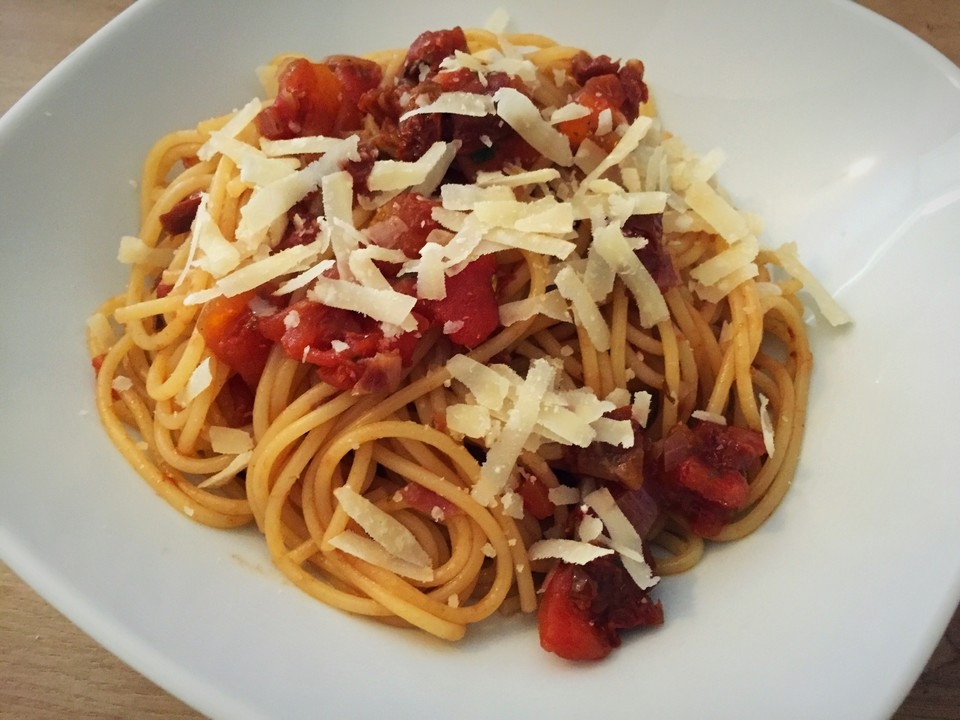 spaghetti mit balsamico tomatensauce rezept mit bild. Black Bedroom Furniture Sets. Home Design Ideas