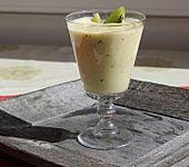 Smoothie mit Orange, Kiwi, Banane und Zitronenjoghurt (Bild)