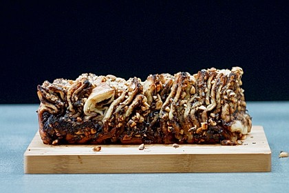 Snickers Pull Apart Cake