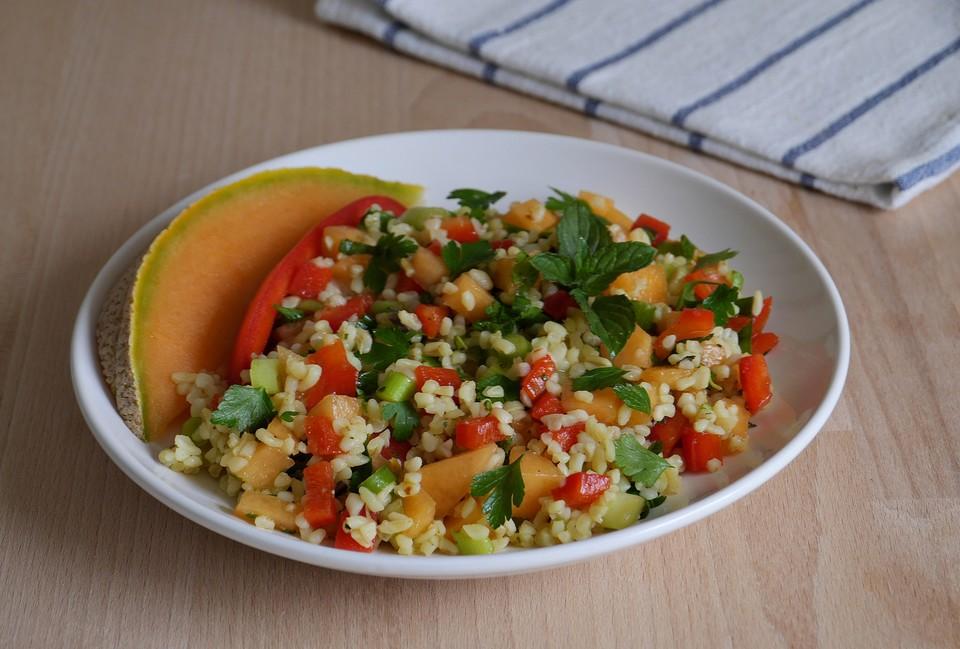 bulgur salat mit melone und paprika rezept mit bild. Black Bedroom Furniture Sets. Home Design Ideas