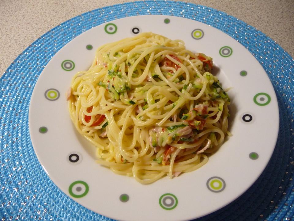 pasta mit zucchini carbonara rezept mit bild von cohal. Black Bedroom Furniture Sets. Home Design Ideas