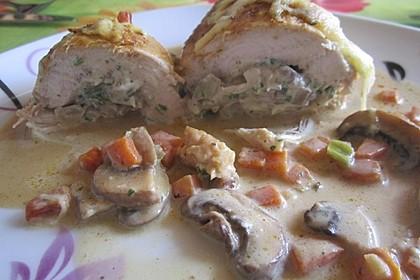 Gefüllte Hähnchenbrust in Tomaten-Rotwein-Sauce 2