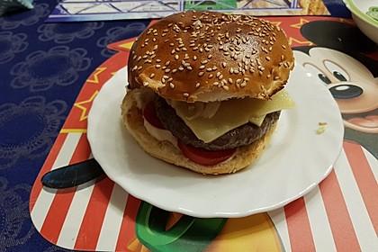 Mein bester Burger - mit Balsamico-Schalotten, Pecorino und Serranoschinken 3