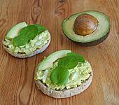 Avocado-Ei-Aufstrich mit Wasserkresse