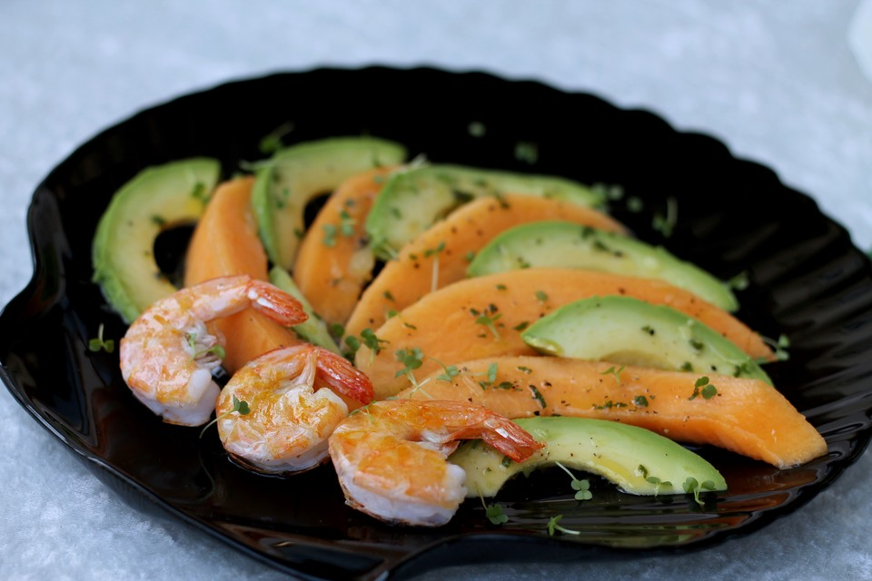 avocado melonen salat mit shrimps von ars vivendi. Black Bedroom Furniture Sets. Home Design Ideas