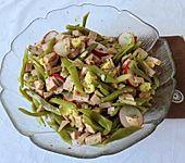 Wurstsalat mit grünen Bohnen, Radieschen und Maiskölbchen