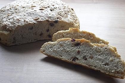 Erdnuss-Sultaninen-Brot