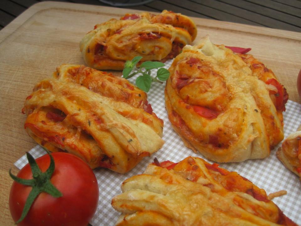 Pizza-Franzbrötchen