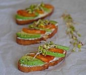 Avocado-Sharon-Crostini