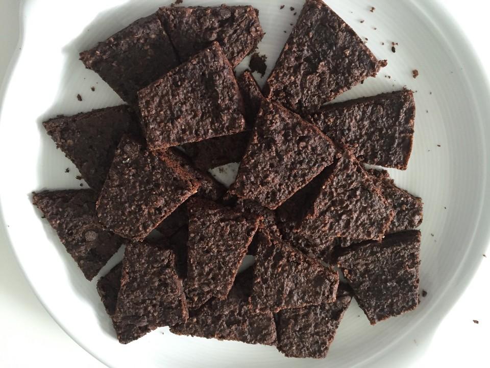 schwarze bohnen brownies rezept mit bild von maretha. Black Bedroom Furniture Sets. Home Design Ideas